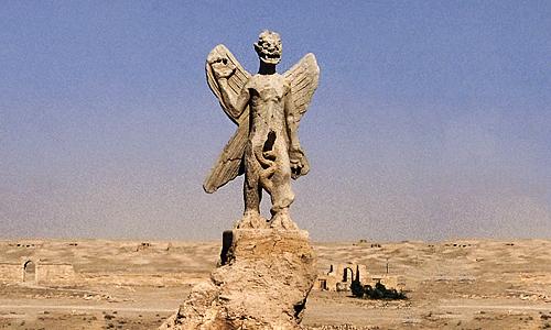 The Exorcist Pazzazu Statue